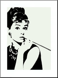 Audrey Hepburn, cigarrillo Lámina montada en tabla