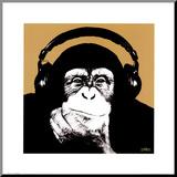 Affe mit Kopfhörern Druck aufgezogen auf Holzplatte von  Steez