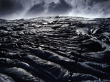 Cooling Lava Flow, Hawaii Volcanoes National Park, Hawaii Photographic Print by Frans Lanting