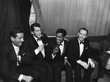 Sammy Davis Jr. e i Rat Pack, 1960 Stampa fotografica di Moneta Sleet