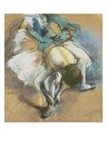 Dancer Adjusting Her Shoes, about 1880/85 Affiche par Edgar Degas