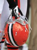 Cleveland Browns - Sept 23, 2012: Cleveland Browns Helmet Fotografisk trykk av Tony Dejak