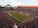 Tampa Bay Buccaneers - Sept 30, 2012: Raymond James Stadium Bilder av Margaret Bowles