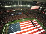 Atlanta Falcons - Sept 17, 2012: the American Flag at the Georgia Dome Photo av Pouya Dianat