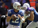 Indianapolis Colts - Sept 16, 2012: Andrew Luck Photo av Michael Conroy