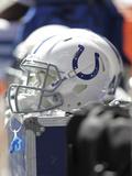 Indianapolis Colts - Sept 23, 2012: Indianapolis Colts Helmet Fotografisk trykk av AJ Mast