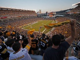 Pittsburgh Steelers - Sept 16, 2012: Heinz Field Photo av Gene J. Puskar
