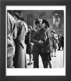 Couple in Penn Station Sharing Farewell Kiss Before He Ships Off to War During WWII Prints by Alfred Eisenstaedt