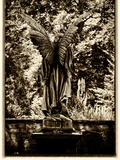 Angel– Jäger der Finsternis Fotografie-Druck von  Exploding Art