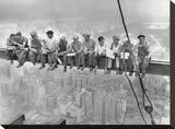 New York Construction Workers Lunching on a Crossbeam, 1932 Lærredstryk på blindramme af Charles C. Ebbets
