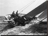 Un yacht lors d'une course, 1937 Reproduction sur toile tendue