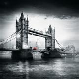 London Bus I Fotografie-Druck von Jurek Nems