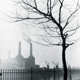 Battersea Power Station Giclee Print by Henry Grant