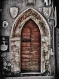 Ancient Door in L'Aquila Fotografisk tryk af Andrea Costantini