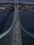 Runners Crossing the Verrazano Bridge after Starting the 1999 New York City Marathon Reprodukcja zdjęcia