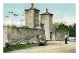 St. Augustine, Florida - Carriage Near City Gates Poster af Lantern Press