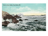 York Beach, Maine - Union Bluffs Surf Scene Poster von Lantern Press
