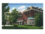 Saratoga Springs, New York - Gideon Putnam Hotel Exterior View Lminas por Lantern Press