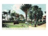 Palm Beach, Florida - Royal Poinciana Hotel Promenade Posters by  Lantern Press