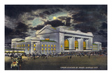Kansas City, Missouri - Exterior View of Union Station at Night Art by  Lantern Press