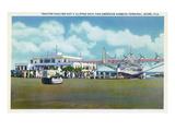 Miami, Florida - Tractor Hauling a Pan American Clipper Kunstdruck von  Lantern Press