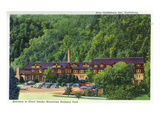 Gatlinburg, Tennessee - Exterior View of the New Gatlinburg Inn Posters by  Lantern Press