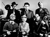 The Ladykillers, Alec Guinness, Herbert Lom, Katie Johnson, Peter Sellers, Danny Green, et al, 1955 Photo