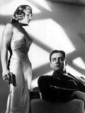 Pitfall, Lizabeth Scott, Raymond Burr, 1948, Gun Photo