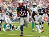 New England Patriots and Miami Dolphins NFL: Stevan Ridley Fotografisk trykk av John Bazemore