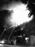 Flames Engulf the Building Housing a Nation of Islam Mosque No 7, Harlem Fotografická reprodukce