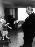 Former President Lyndon Johnson Plays with His Grandson, Lyn Nugent Foto