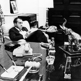President Richard Nixon in His Office in the White House Residence Fotografía