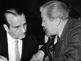 Melvin Belli Confers with His Client, Jack Ruby, Prior to Bail Hearing Fotografía