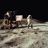 Apollo 16 Astronaut Salutes the US Flag on the Moon, July 21-24, 1971 Photographie