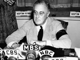 President Franklin Roosevelt Warns the Nation About German Provocations Fotografía
