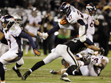 Oakland Raiders and Denver Broncos NFL: Knowshon Moreno Fotografisk trykk av Ben Margot