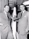 Dr Werhner Von Braun with Walt Disney Foto