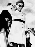 Jacqueline Kennedy, Wearing a White Coat Dress with a Short Skirt Lámina fotográfica