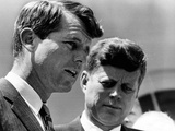 Pres John Kennedy and Attorney General Robert Kennedy at Ceremonies Honoring African Americans Lámina fotográfica
