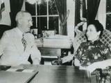 Madame Chiang Kai-Shek Meeting with President Truman at the White House Photographic Print