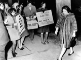 Lady Bird Johnson Walks Past a Group of Youthful Anti-War Demonstrators Photographic Print