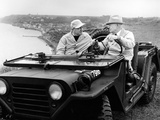 Former President Eisenhower with Walter Cronkite Above Normandy's Beaches Póster