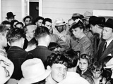 Eleanor Roosevelt Visiting Migrant Workers in at the Fsa Farmersville Camp in California Photographic Print