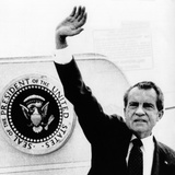 The Presidental Seal at Shoulder for Last Time, Pres Richard Nixon Exits Washington, Aug 9, 1974 Photographic Print