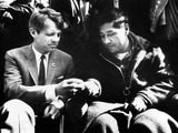 Cesar Chavez Ends His Hunger Strike with Sen Robert Kennedy Fotografie-Druck