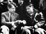 Cesar Chavez Ends His Hunger Strike with Sen Robert Kennedy Fotografie-Druck
