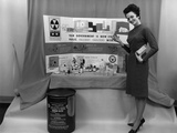 US Government Promoted Building and Stocking Family Fallout Shelters Stampa fotografica