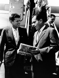Vice-President Richard Nixon and Senator John Kennedy at Chicago's Midway Airport Fotografía