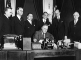 President Franklin Roosevelt Signs Bill for Philippine Independence Prints