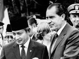 President Richard Nixon Welcomes President Suharto of Indonesia to the White House Photographic Print